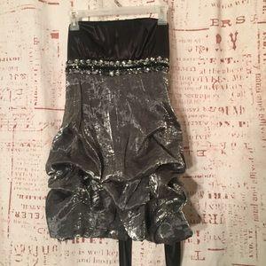 MY MICHELLE Straples DRESS Size 7 .......A6